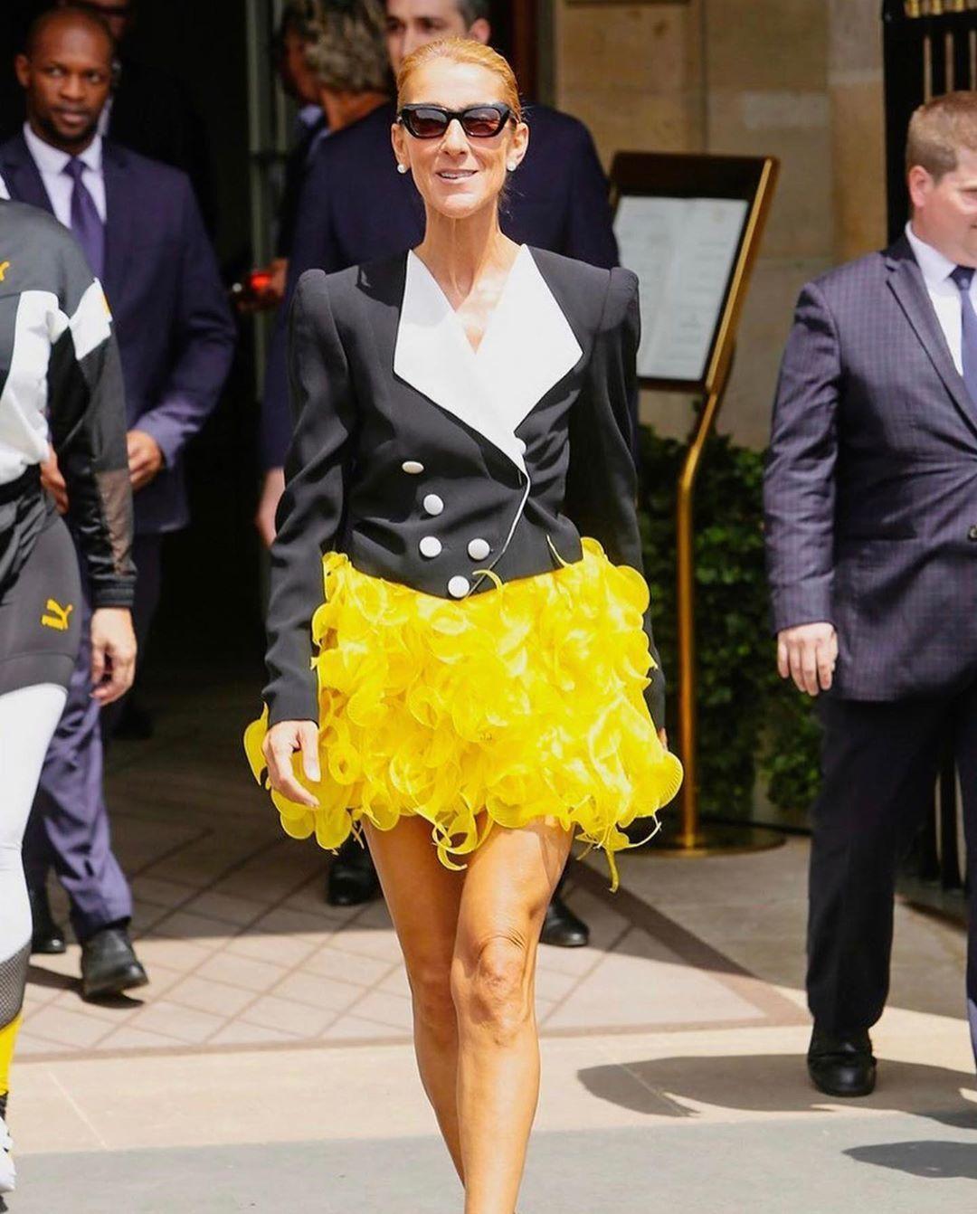 Di Usia 51 Tahun GayaCéline Dion Makin Seksi dan Fashionable!