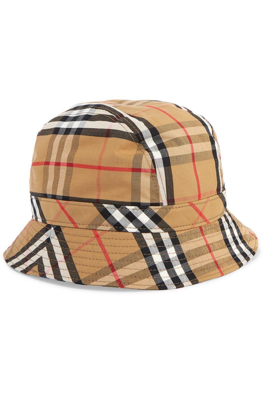 #PopbelaOOTD: Bucket Hat yang Cocok Dipadukan dengan Summer Dress