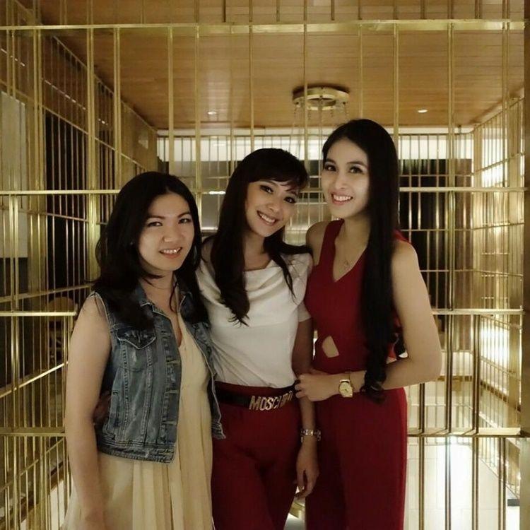 14 Hal yang Bisa Kamu Petik dari Persahabatan Sandra Dewi dan Yuanita