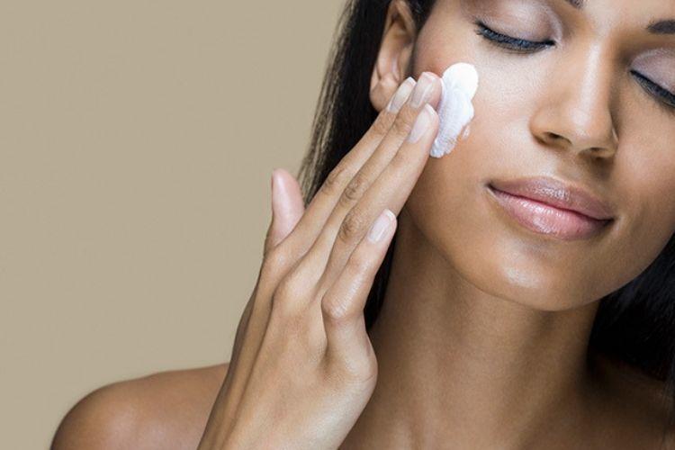 5 Tips Makeup untuk Kamu Pemilik Kulit Eksotis