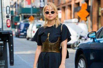 5 Model Dress Feminin Bisa Diandalkan Si Cewek Tomboy