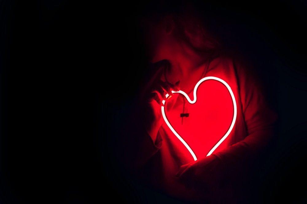 7 Alasan Cinta yang Berlebihan Justru Bisa Merugikan Diri Sendiri