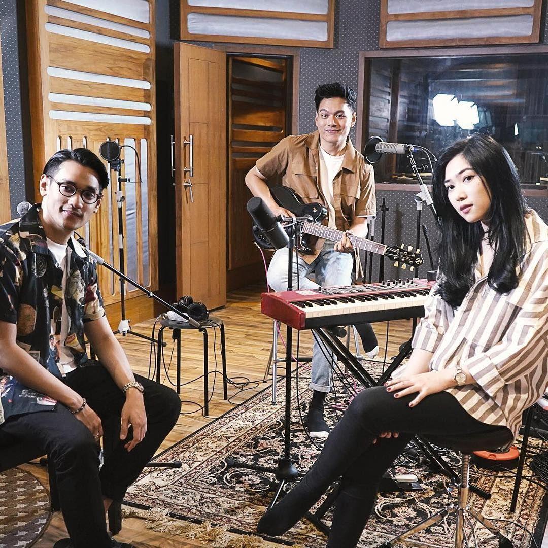 Lirik Lagu 'Lagu Cinta' Afgan, Isyana Sarasvati dan Rendy Pandugo