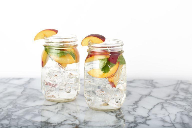 Bosan Air Putih, 8 Infused Water ini Segarkan Minumanmu