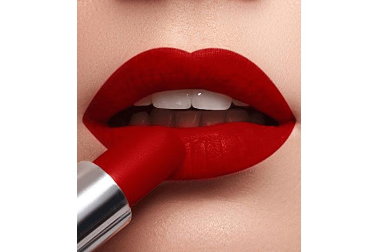 7 Warna Lipstik Yang Cocok Untuk Bibir Hitam