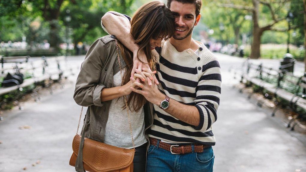Manisnya, 7 Curhat Pasangan Ini Bukti Cinta Tak Pandang Usia