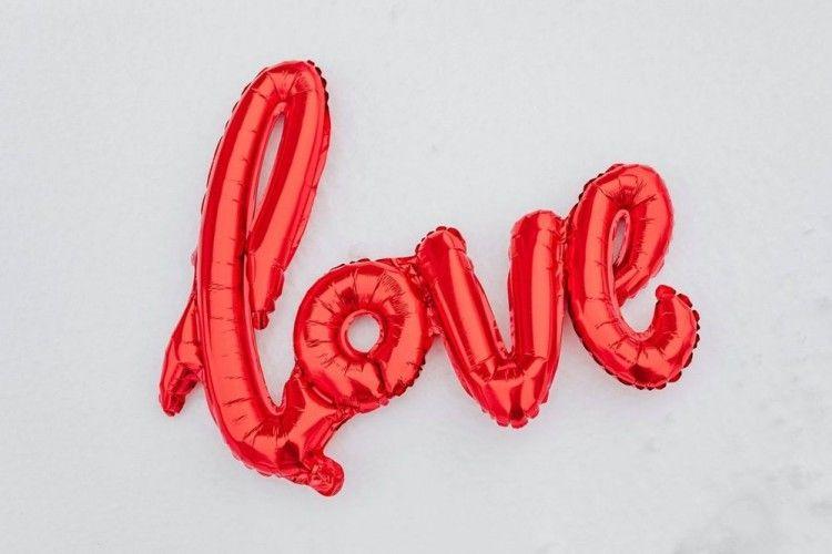 10 Cara Membuat Perempuan Jatuh Cinta padamu