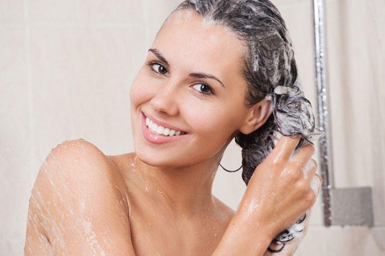 7 Cara Merawat Rambut Rontok yang Mudah