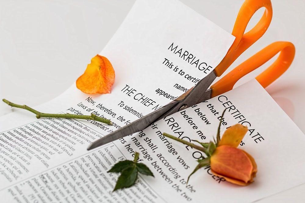 6 Alasan Pernikahan Buruk Lebih Menyakitkan daripada Bercerai