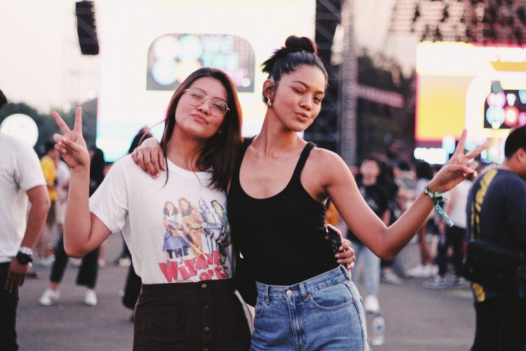 Potret Street Style di We The Fest 2019 - Day 2