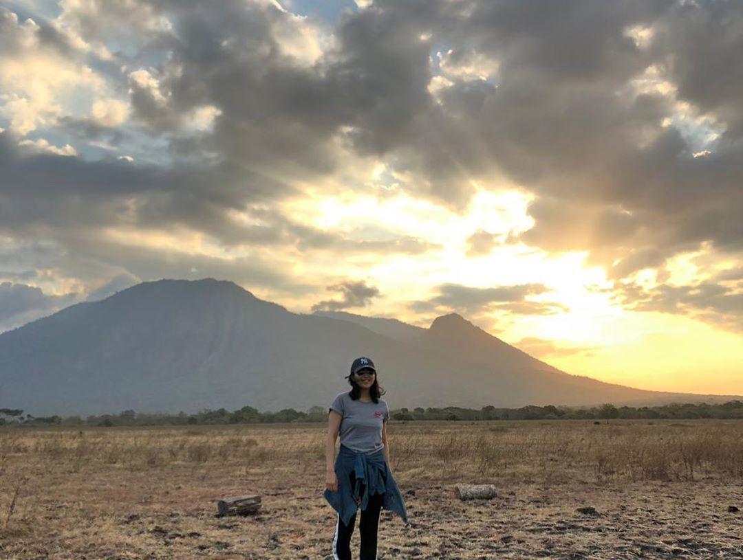 9 Potret Serunya Liburan Olivia Zalianty di Banyuwangi