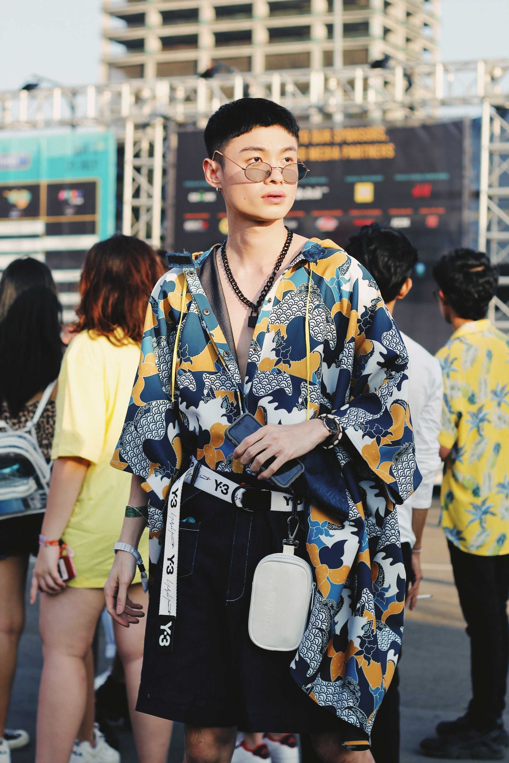 Potret Street Style di We The Fest 2019 - Day 3