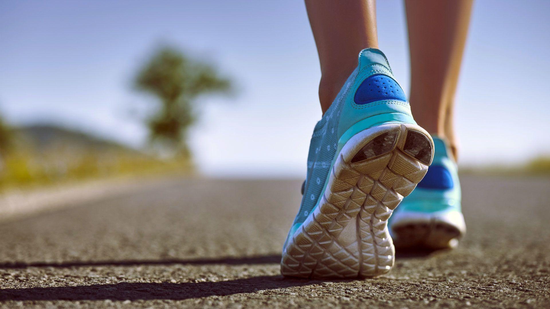 Tips Penting Sebelum Membeli Sepatu Olahraga