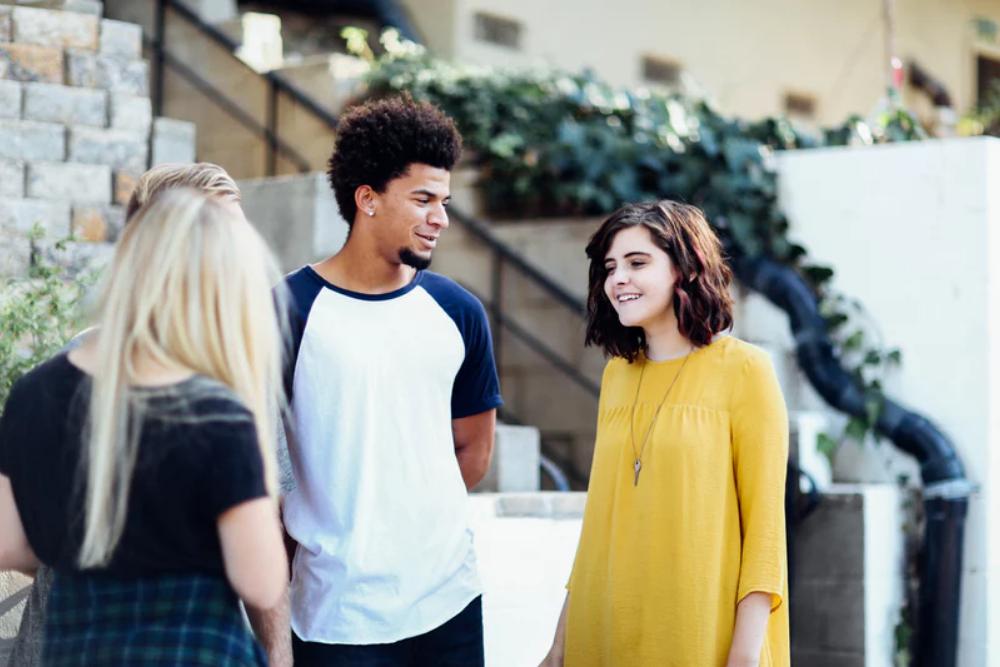12 Cara MenjawabKetika Kamu Ditanya Sudah Punya Pacar atau Belum