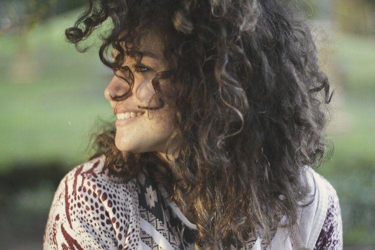 5 Zodiak Perempuan yang Sering Bikin Laki-Laki Gemas Sendiri