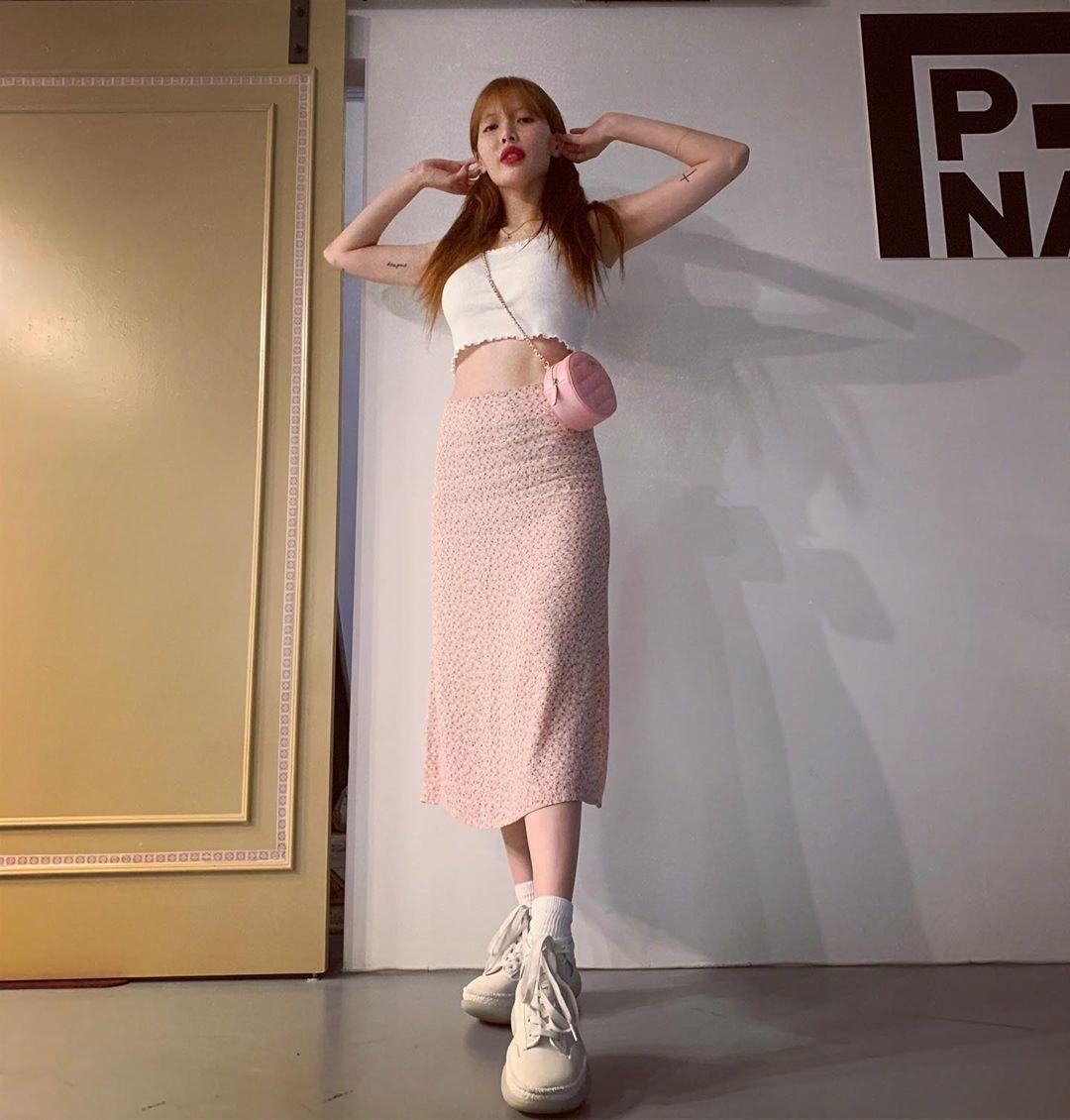 8 Gaya Busana HyunA, Penyanyi Korea yang Berhasil Memikat Perhatian