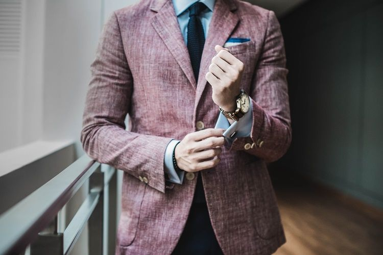 19 Sikap yang Membedakan Seorang Gentleman dari Laki-Laki Biasa