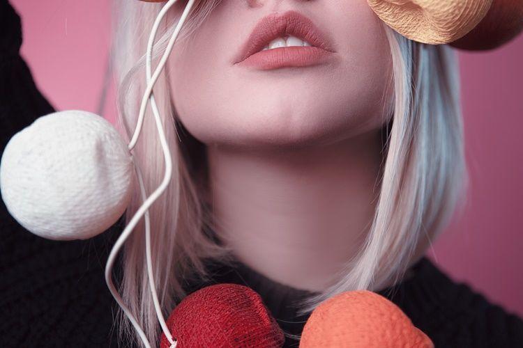 10 CaraCiuman Bibir Romantis yang Bikin Tergila-Gila