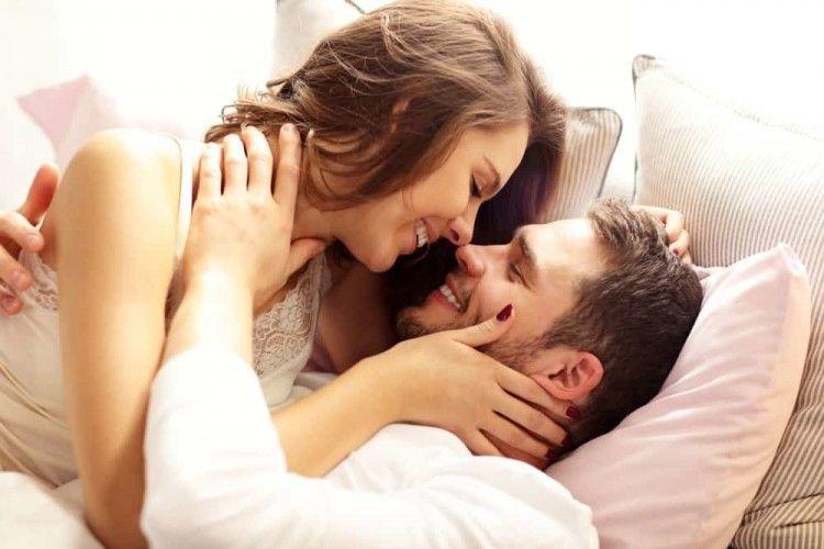 10 Trik Bercinta Agar Kamu dan Pasangan Sama-sama Terpuaskan