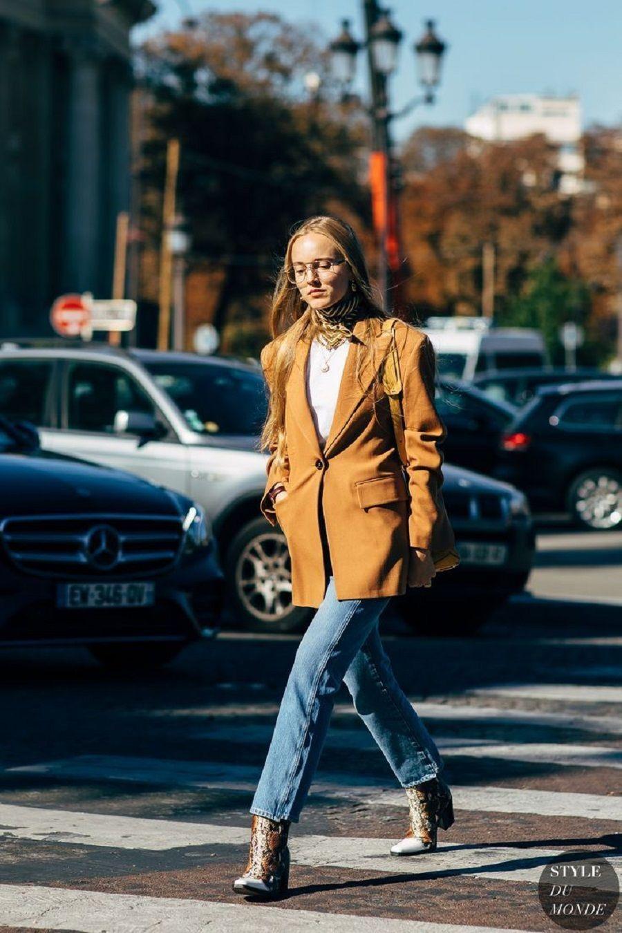 Cara Mengombinasikan Jeans dan Boots untuk Sehari-hari