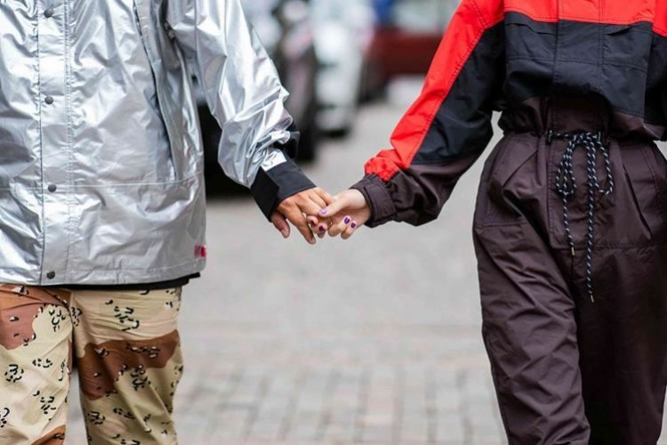 Simak 7 Kebiasaan Sehari-hari yang Bisa Mengarah pada Perselingkuhan