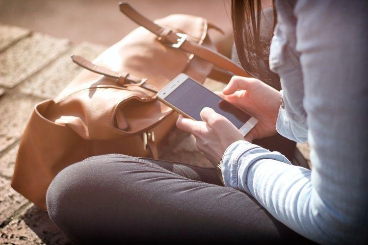 9Cara Chat dengan Gebetan Ini Bikin Dia Betah Sama Kamu