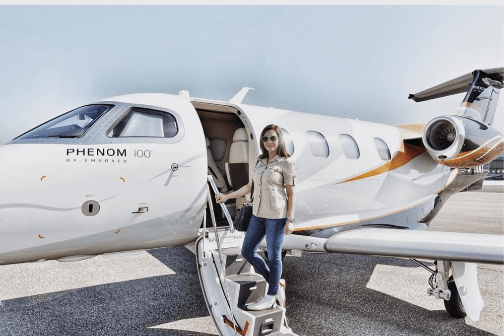 7 Artis Indonesia yang Sering Posting Saat Naik Private Jet