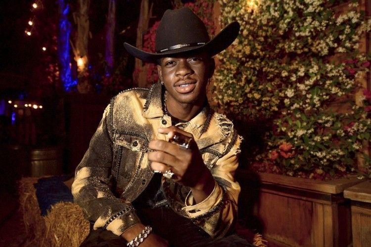 Betah di Puncak Hot 100, Ini Lirik Lagu 'Old Town Road' Lil Nas X