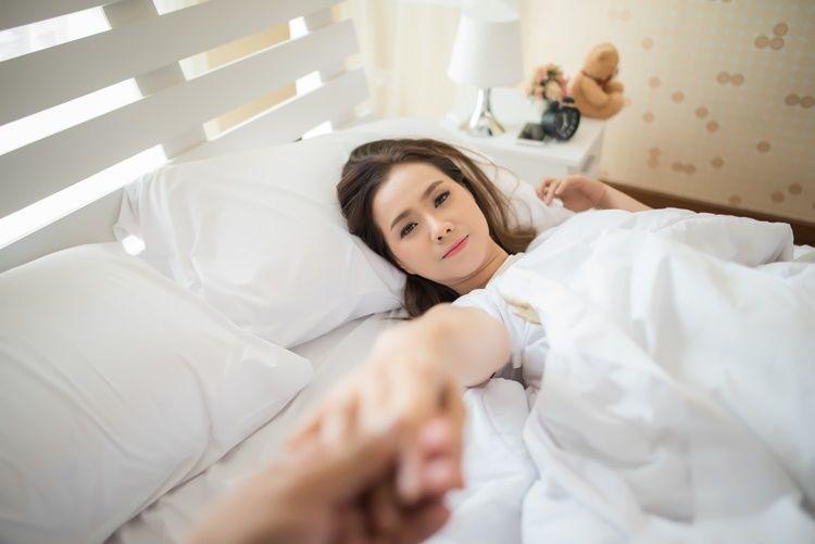 5 Perbedaan Penting Seks di Dunia Nyata vs di Film Porno