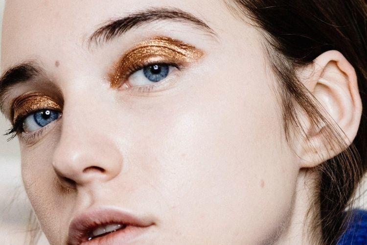 7 Rekomendasi Eyeshadow Terbaik yang Bikin Riasan Mata Makin Cantik