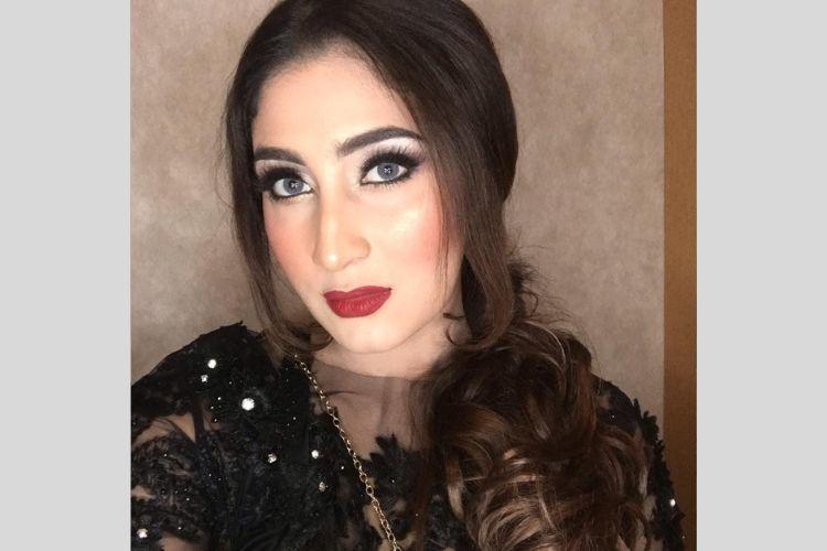 Selalu Tampil Elegan, Ini 7 Gaya Makeup Tania Nadira