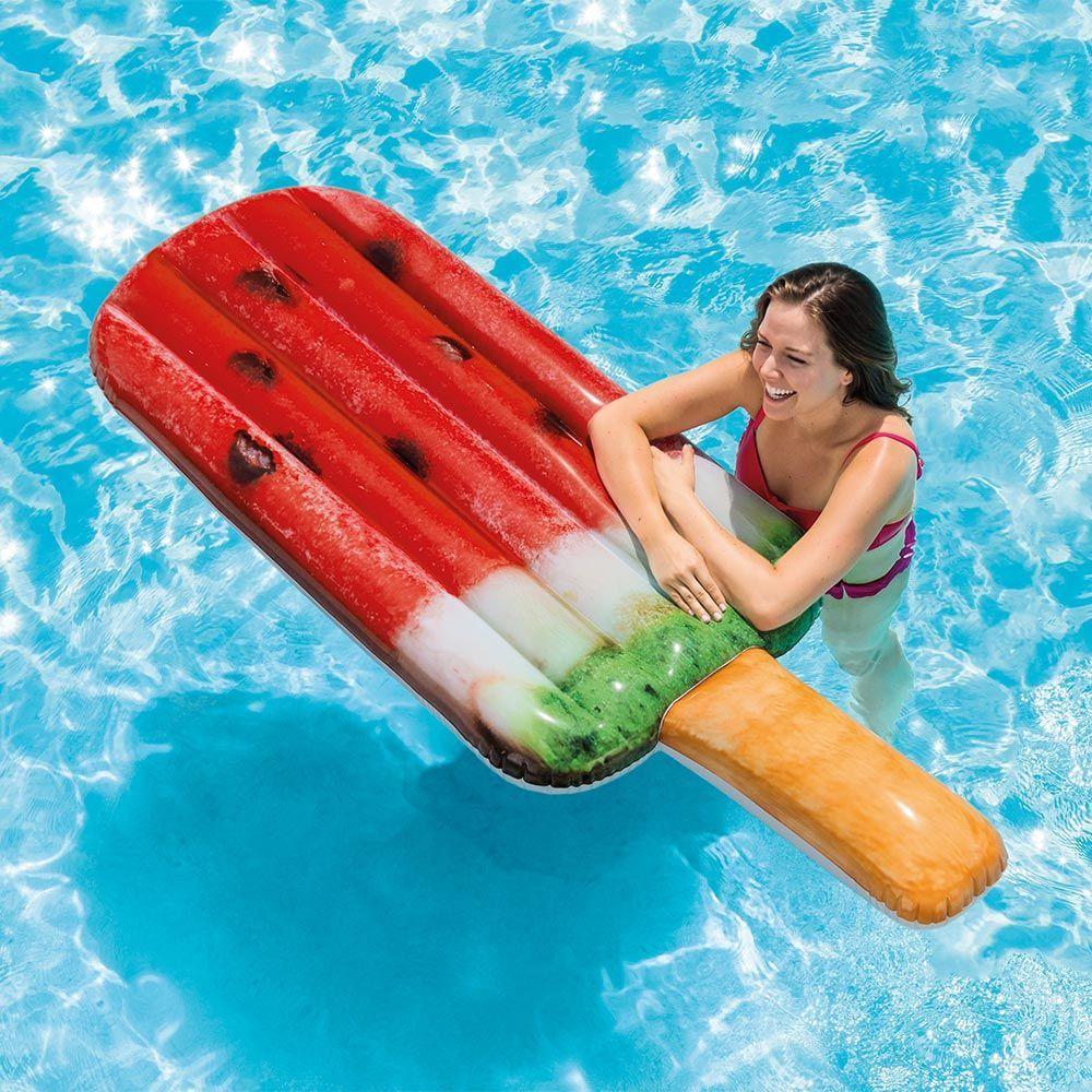 11 'Floating Inflatable' Bikin Foto di Kolam Renang Jadi Instagramable