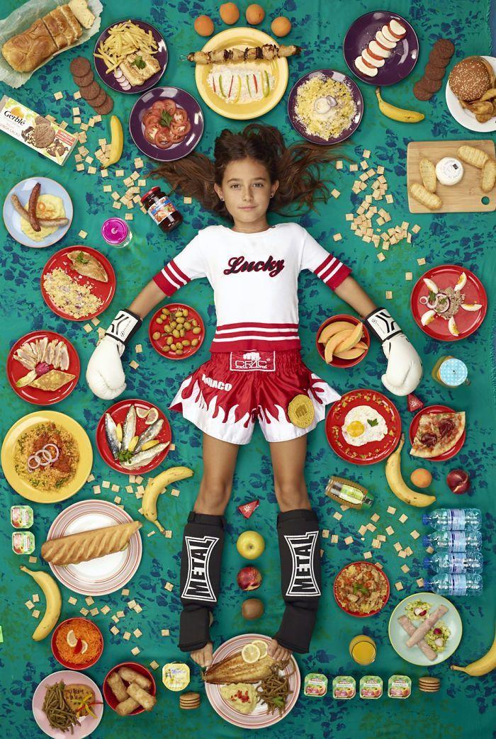 Deretan Foto Anak-Anak Beserta Makanan Berbagai Dunia
