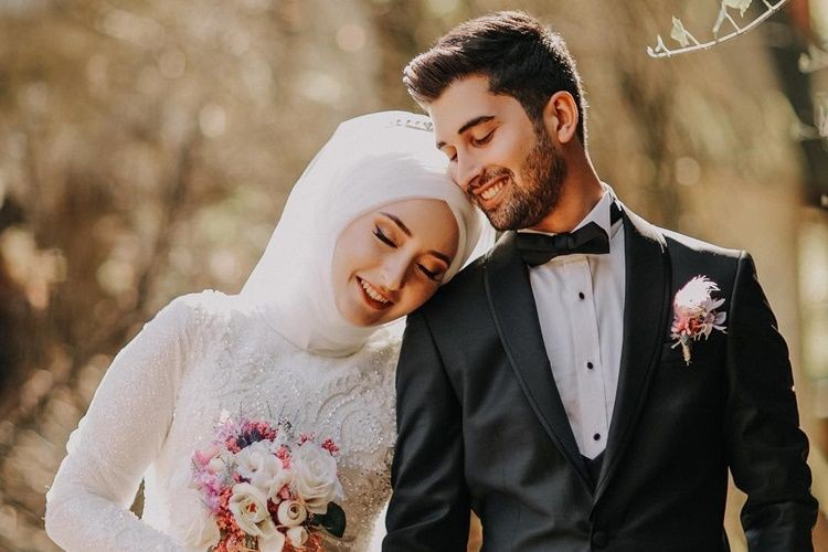 20 Ucapan Happy Anniversary Pernikahan Islami Romantis