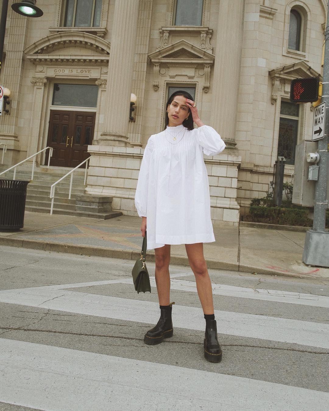 7 Cara Mengenakan Busana Putih yang Instagrammable