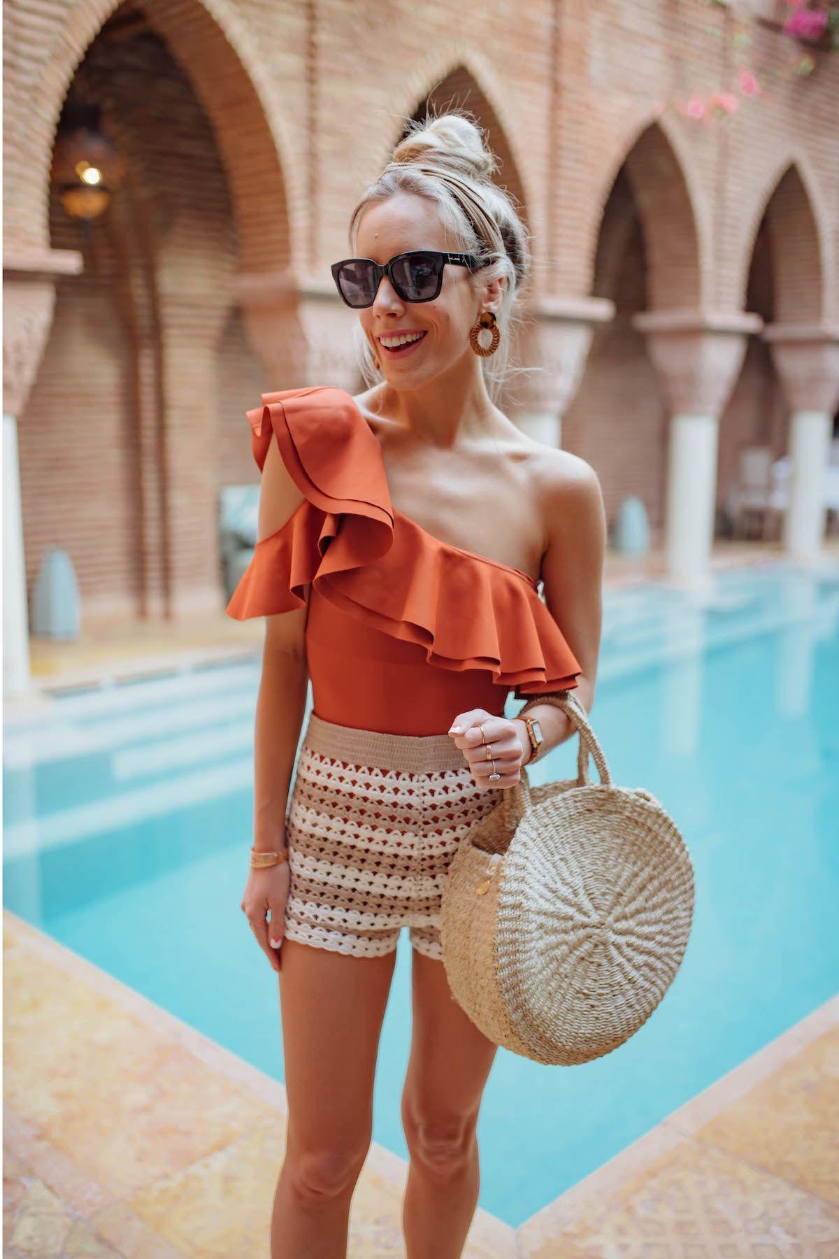 Cara Mengenakan Baju Renang yang Menarik