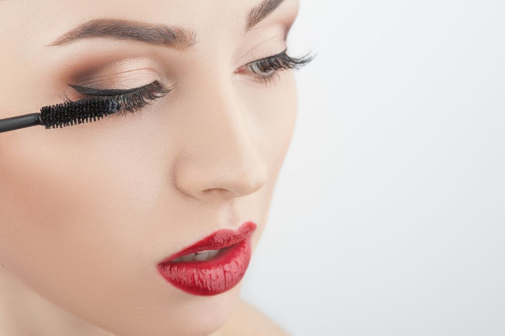 5 Makeup Hacks Ketika Si Cewek Cuek Berubah Jadi Feminim