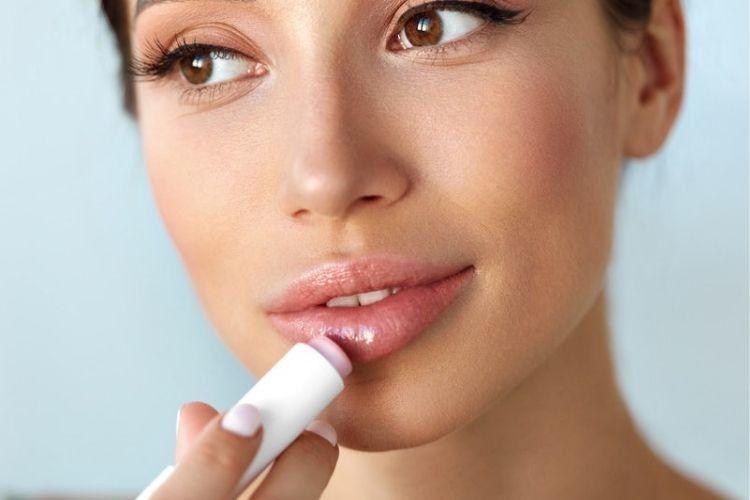 Biar Lebih Lembut, Ini 7 Pilihan Lip Balm untuk Bibir Kering