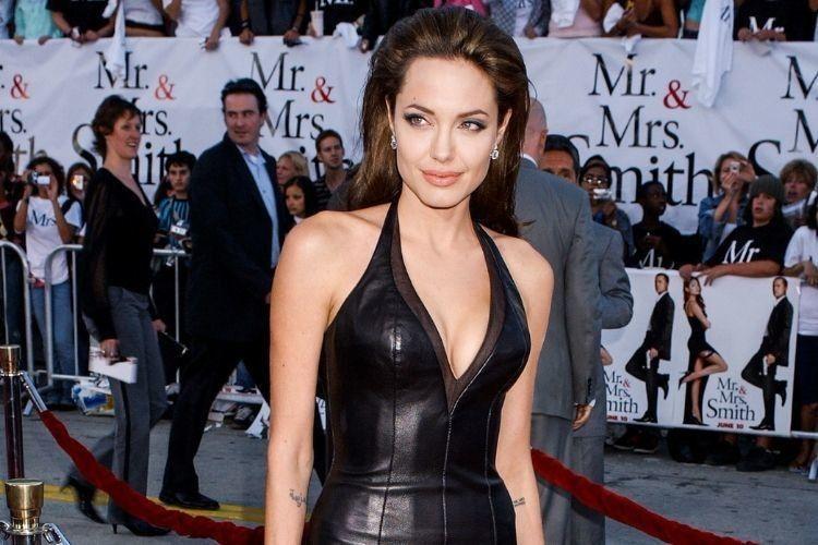 Gaya Seksi Angelina Jolie yang Selalu Menawan