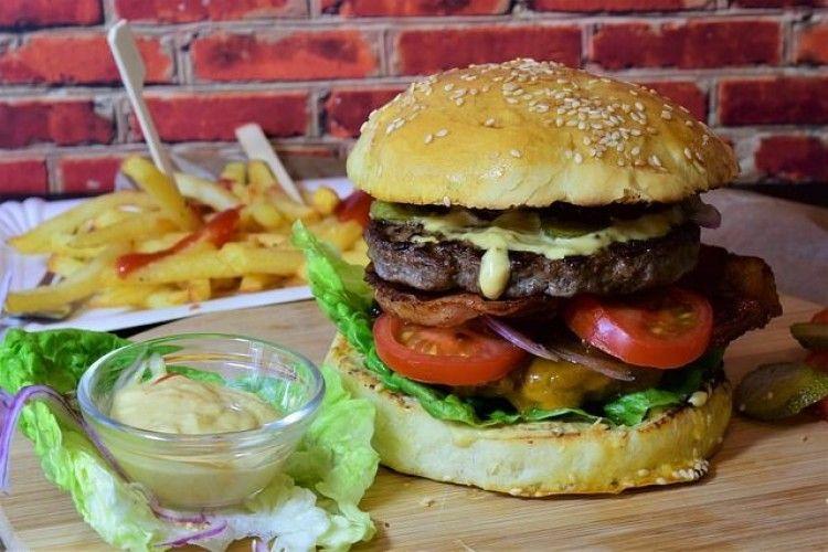 Jauh dari Ekspektasi, 10 Menu Fast Food Ini Beda dengan Gambarnya