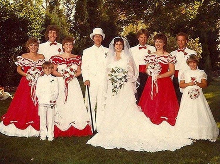 13 Foto Lucu Bridesmaid di Masa Lalu yang Menggelitik, Gagal Anggun!