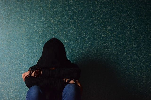 5 Efek Negatif Stalking Mantan di Media Sosial