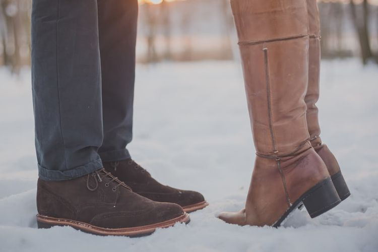 Cara Menghadapi Pacar Cuek dan Nggak Romantis