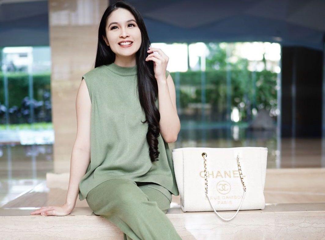 10 Bukti Sandra Dewi 'Princess' Indonesia, Hidup Bak Cerita Dongeng