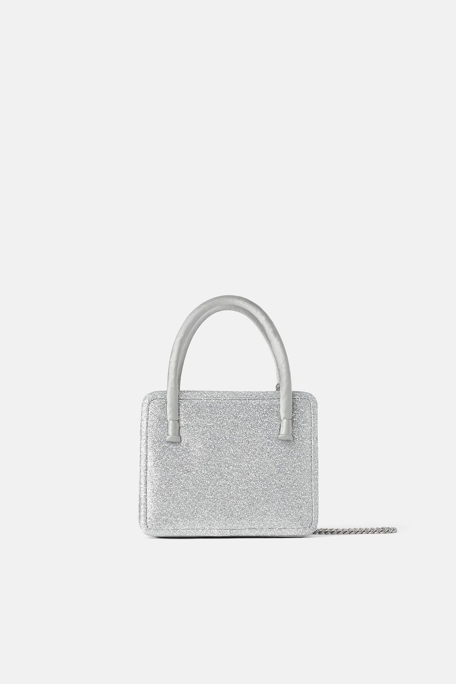 #PopbelaOOTD: Upgrade Tas Pesta dengan Detail yang Catchy