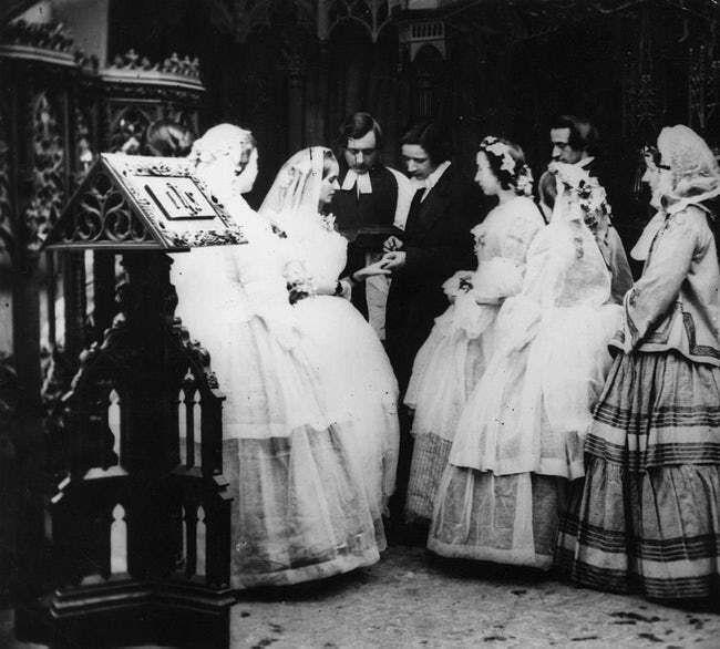 15 Foto Pasangan dari Tahun 1800-an, Ngeri atau Romantis?