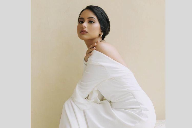 Nggak Kalah Memesona, Ini Potret Amanda Khairunnisa, Adik Maudy Ayunda