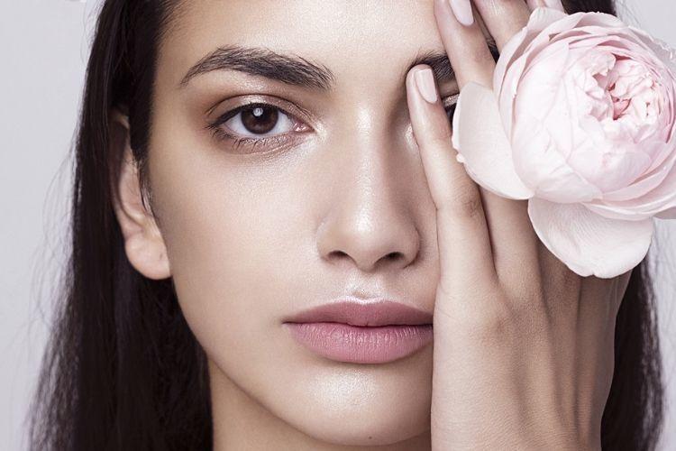 Kulit Makin Kenyal dengan 7 Serum Anti Aging Terbaik