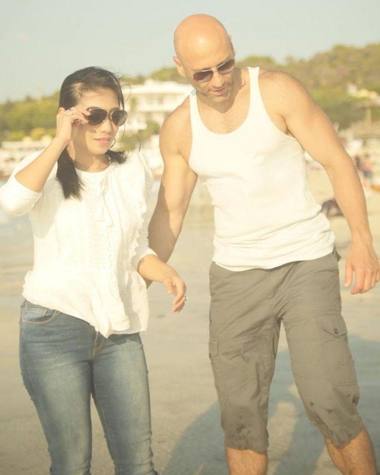 Dinikahi Laki-Laki Turki, Ini 10 Potret Bahagia Siti 'KDI' dan Suami
