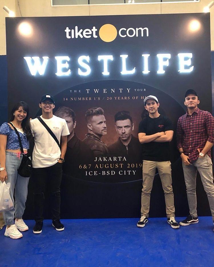 7 Momen Manis Jonatan Christie & Shanju Eks 'JKT48', Resmi Pacaran?
